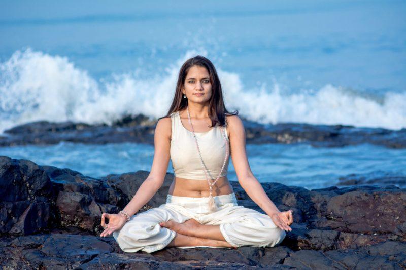 siddhasana, yoga