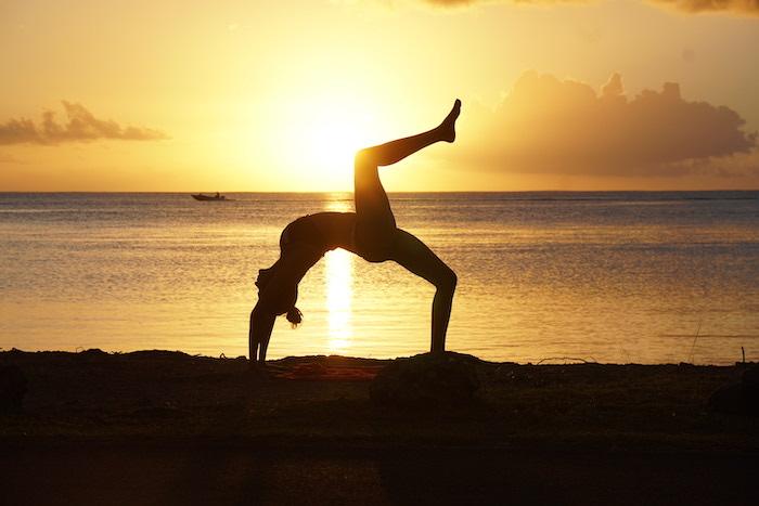Chakrasana, pranayama, sunset yoga
